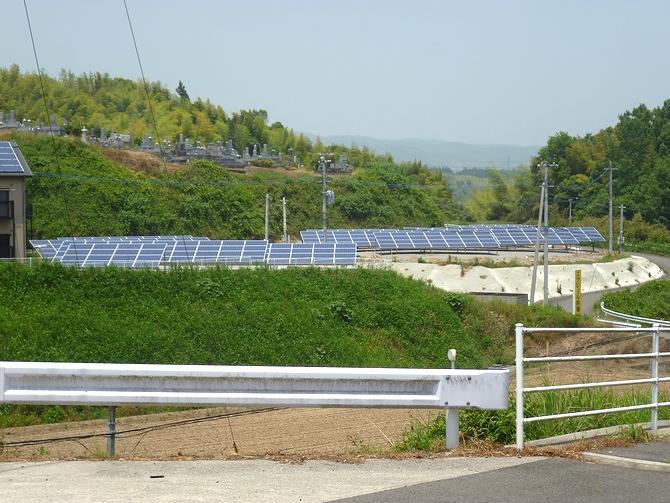 太陽光発電(野立て収益向け)の施工実績「杵築市K様邸/発電量181kw/メーカー:カナディアンソーラー」